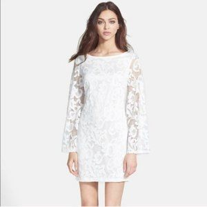 Alexia Admor Lace Bell Sleeve White dress M NWT